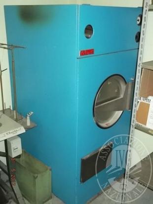 Essiccatoio e macchina da cucire