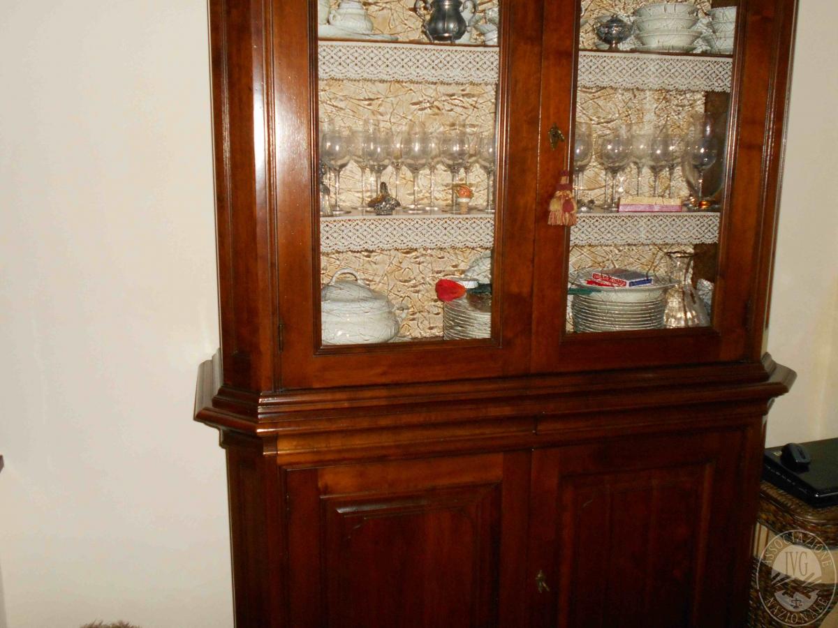 Credenza Arte Povera Usata Torino : Vetrine in arte povera awesome t vetrina due porte e un cassetto