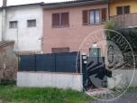 Immagine di ES. 240/2014: VILLETTA A SCHIERA SITA NEL COMUNE DI ALTOPASCIO (LU), FRAZ. SPIANATE, CORTE CHIAPPINI, 8/E.