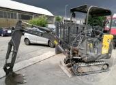 Escavatore compatto Volvo EC15C anno 2012 ore di lavoro 1656, funzionante ed in buone condizioni d'uso. Coppia di rampe in alluminio per il carico.