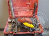 (Lotto n.132) - Perforatrice (carotatrice) diamantata per carotatura manuale a secco in muratura con diametri fino a 160 mm marca HILTI modello DD110-D
