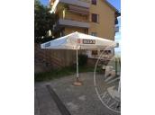 Immagine di lampadari e ombrelloni 21596