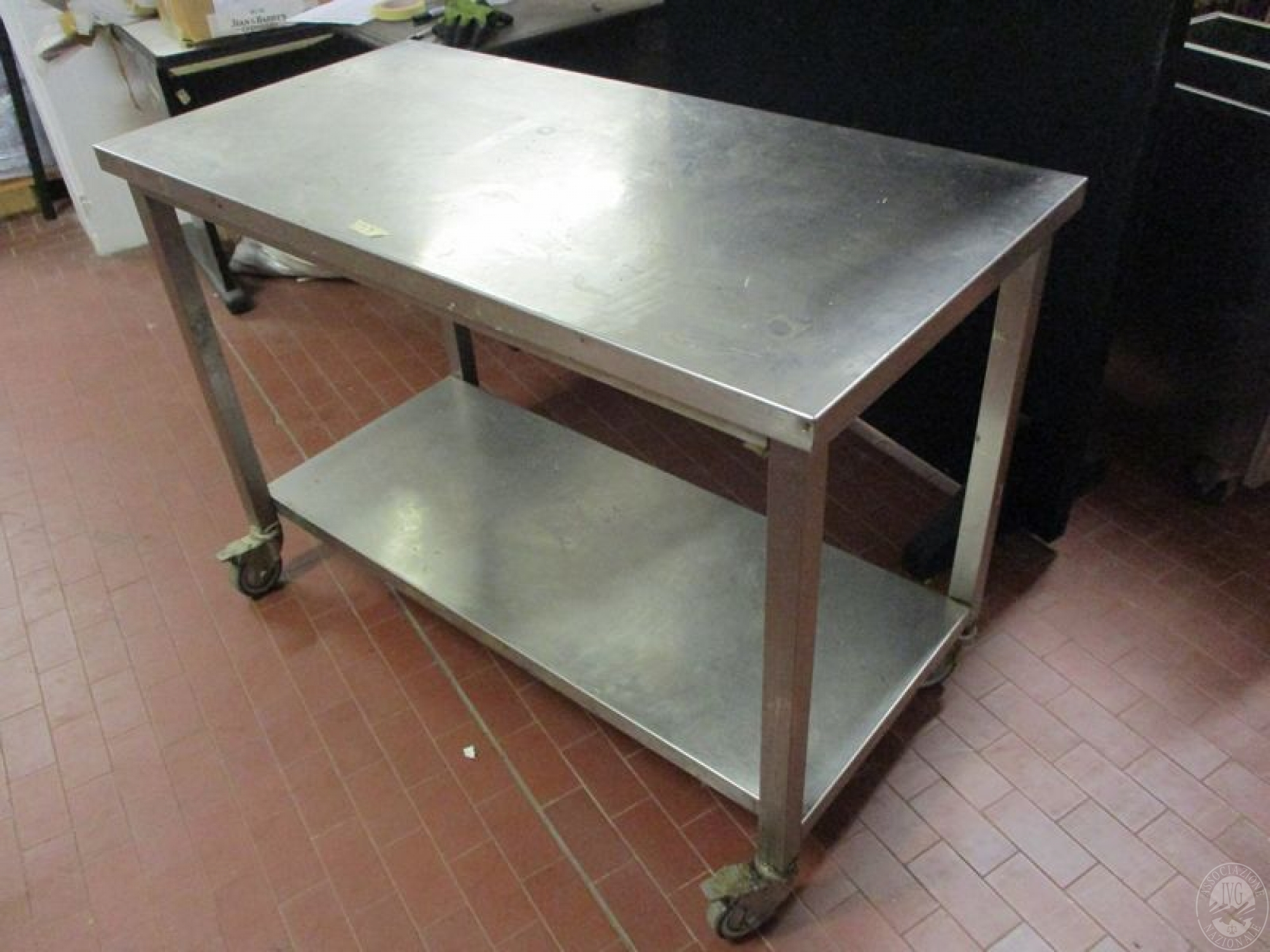 Lotto 23 tavolo in acciaio inox