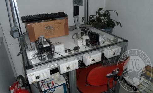 Immagine di Fall. Lambda Sistemi Srl n. 110/2018 - Apparecchiature e magazzino componenti elettroniche e schede per pannelli solari, arredi ufficio e quant'altro giacente e di pertinenza (a liberazione dell'immobile)